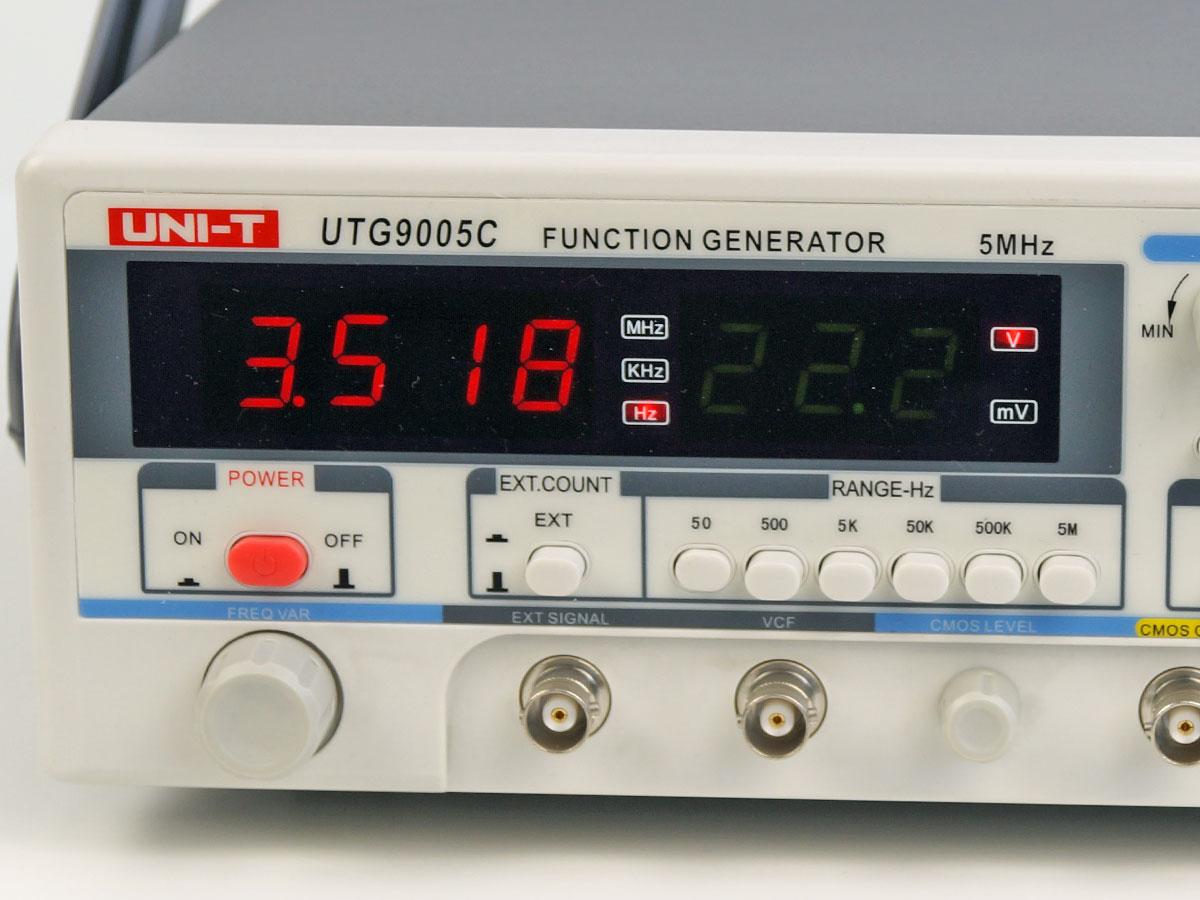 UTG9005C generator funkcyjny laboratoryjny 5MHz unit uni-t