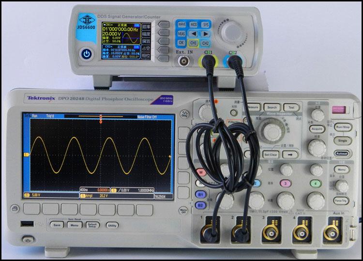 generator funkcyjny JDS6600 obserwacja przebiegów na oscyloskopie kanał CH1 sinusoida