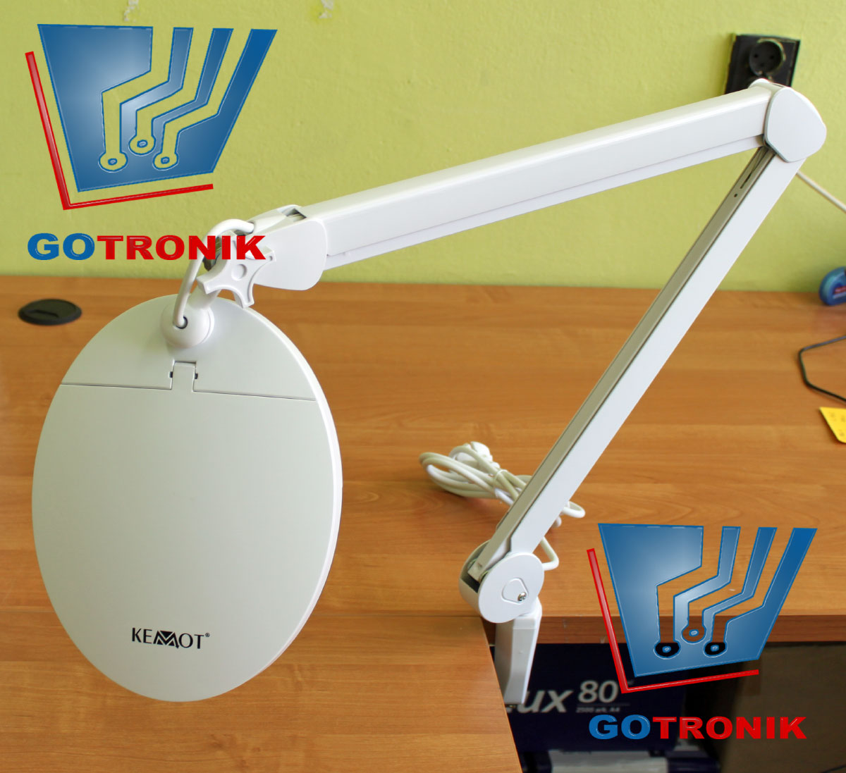 Lampa z lupą 5D