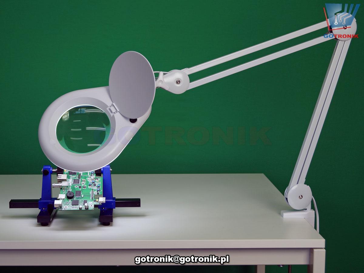 LAM-043, LAM-008, lampa z lupą powiększającą szklana soczewka o powiększeniu 8DPI i średnicy 5cali 127mm z oświetleniem 60 LED SMD 12W 1200 lumen temperatura barwowa z zakresu 5600-6000K przykręcana do blatu